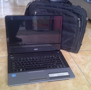 Laptop Second ACER Aspire E1-471 Core-i3 Mulus