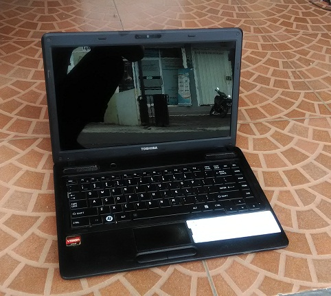 Laptop Bekas TOSHIBA Satellite C640D For Design 2-Jutaan