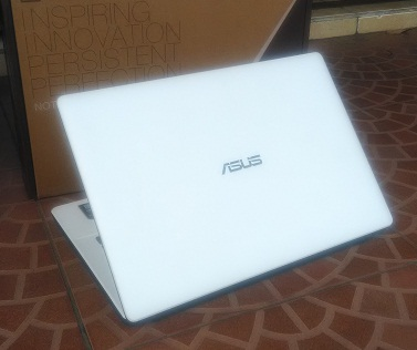 Notebook Bekas ASUS X452EA Quad Core Gamer & Design