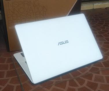 Notebook Bekas ASUS X452EA Quad Core Gamer & Design