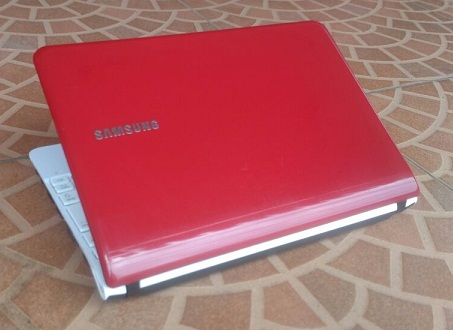 Notebook Second SAMSUNG NC108 RED Mulus 1-jutaan