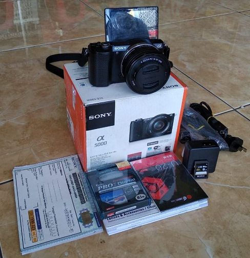 Kamera Bekas SONY Mirrorless Alpha A5000 99% LIKE NEW